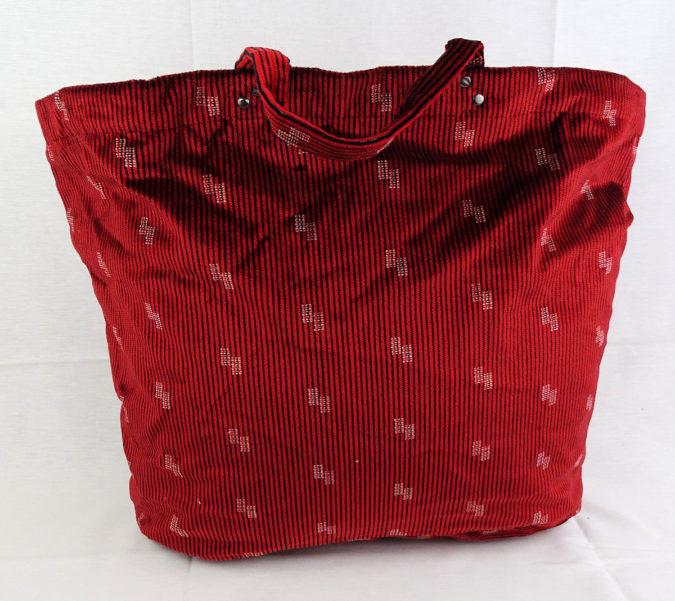 Losana-B-handbag-2-675x601 15 Most Creative Handbag Designers in the UK