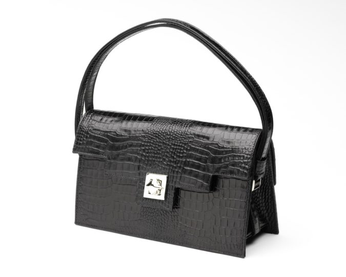 Zoe-Darling-handbag-675x540 15 Most Creative Handbag Designers in the UK