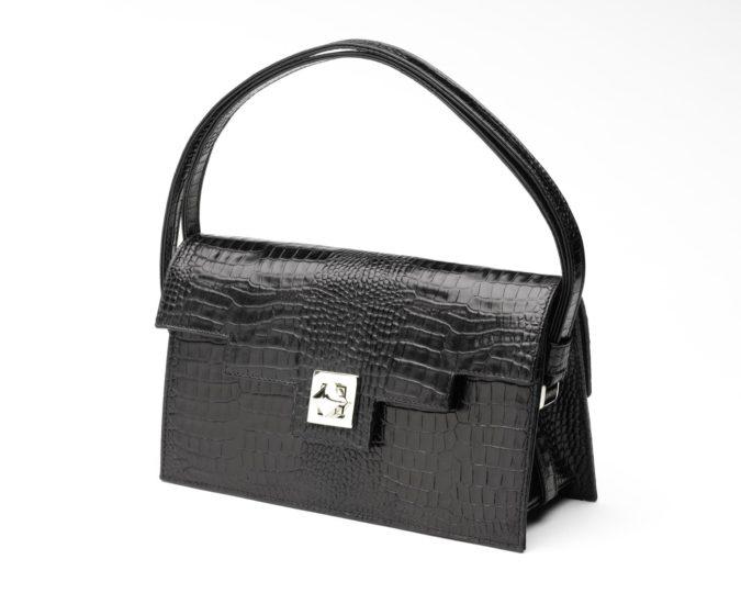 Zoe-Darling-handbag-675x540 15 Most Creative Handbag Designers in the UK