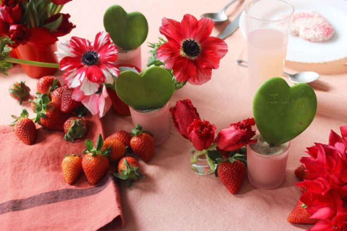 floral-decor-1-675x449 30+ Most Creative Valentine's Day Ideas & Trends for 2021