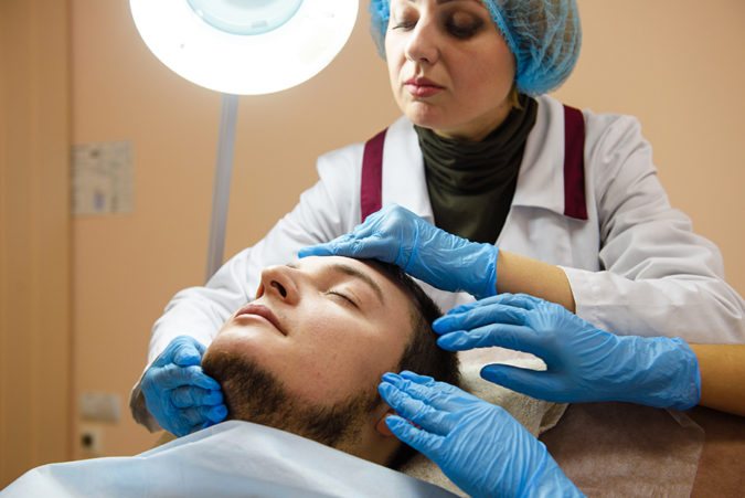 hair-transplant-doctor-3-675x451 Best 10 Hair Transplant Clinics in Dubai