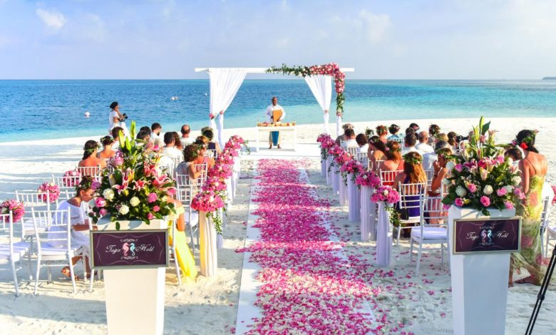 Photo of Why a Beach Wedding Is the Perfect Choice for Couples