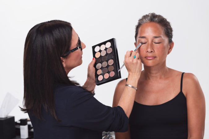 Bobbi-Brown.-2-675x450 Top 25 Most Famous Makeup Artists in The USA