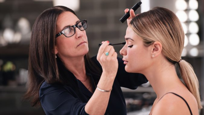 Bobbi-Brown.-675x380 Top 25 Most Famous Makeup Artists in The USA
