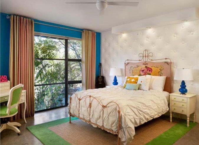 home-decor-teen-room-ceiling-lamps-2-675x491 15 Hottest Ceiling Lamp Ideas for Teens' Bedrooms in 2021