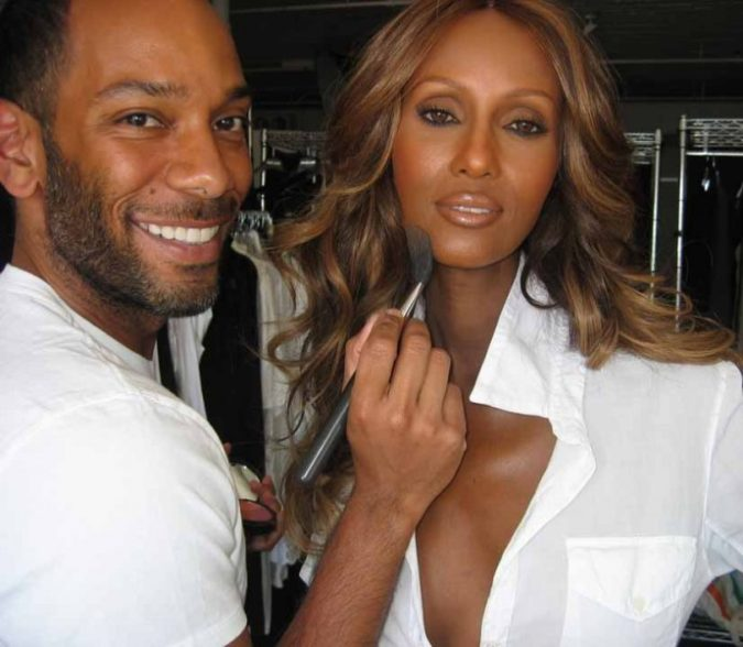 sam-fine-makeup-artist-675x588 Top 25 Most Famous Makeup Artists in The USA