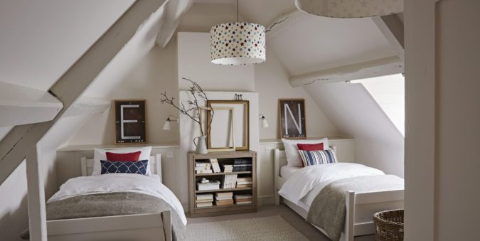 teen-bedroom-decor-ceiling-lamp-675x339 15 Hottest Ceiling Lamp Ideas for Teens' Bedrooms in 2020