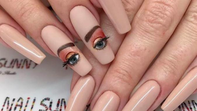 Blinking-Eye-Nails-675x380 20 Weirdest Nail Art Ideas That Should Not Exist