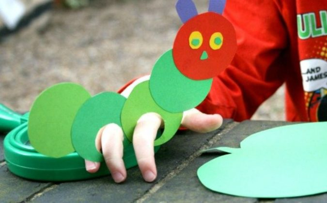 Caterpillar-Paper-Craft.-675x420 18 Easiest Craft Ideas That You Can Create with Your Kids