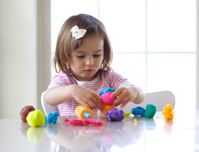 Easy-Playdough.-1-675x517 18 Easiest Craft Ideas That You Can Create with Your Kids