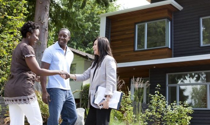 Hire-an-Experienced-Estate-Agent.-675x402 How to Sell Your Home for the Highest Price