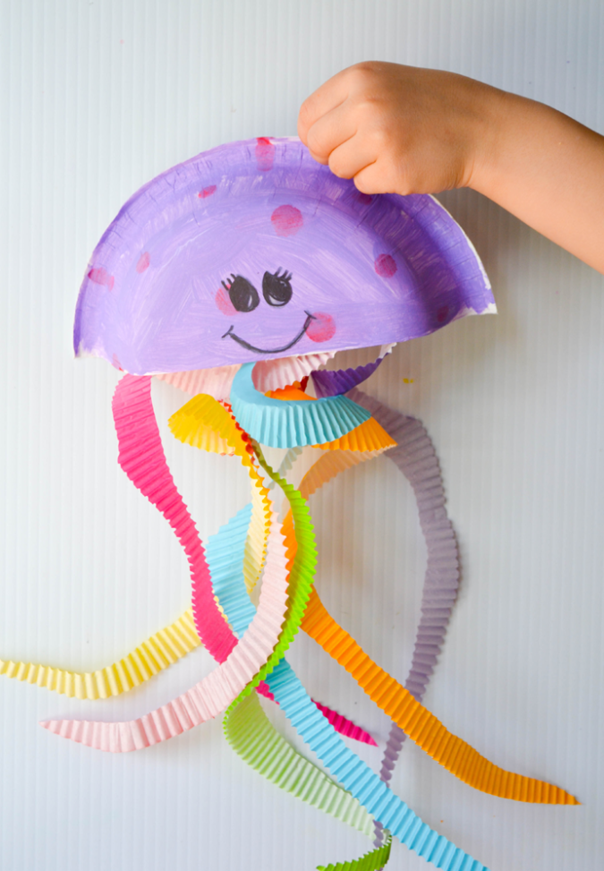 Jellyfish-Craft.-675x973 18 Easiest Craft Ideas That You Can Create with Your Kids