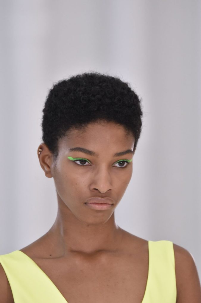 Neon-Cat-Eyes-675x1013 15 Most Fabulous Makeup Trends to Be More Gorgeous in 2021