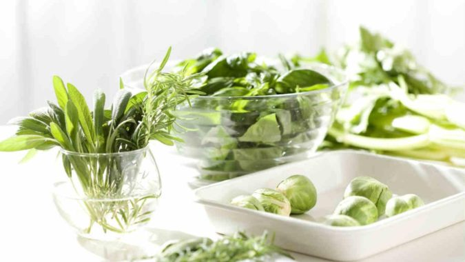 Raw-Leafy-Greens-675x380 Nutrition Guide for Dementia