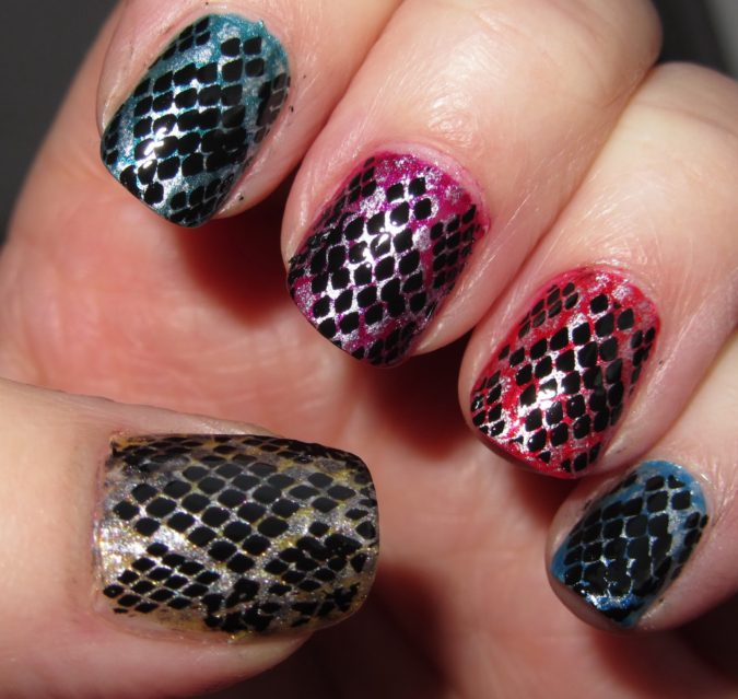 Reptile-Nails-675x639 20 Weirdest Nail Art Ideas That Should Not Exist