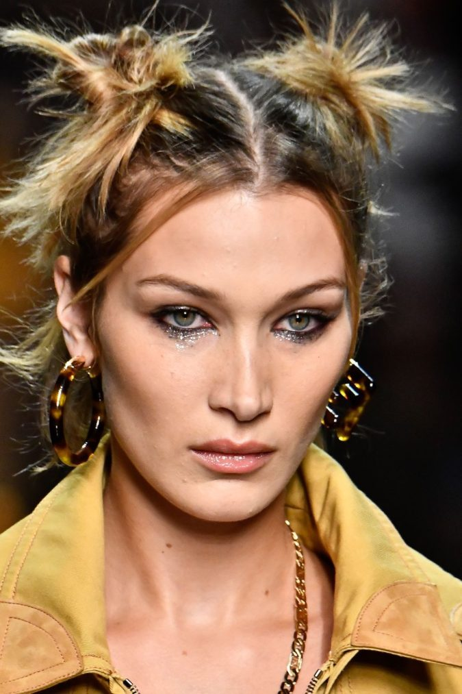 Sparkly-Eyes-675x1013 15 Most Fabulous Makeup Trends to Be More Gorgeous in 2020