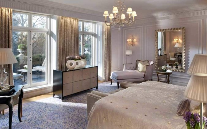 The-royal-suite-675x422 Top 25 Most Luxurious Rooms in the World