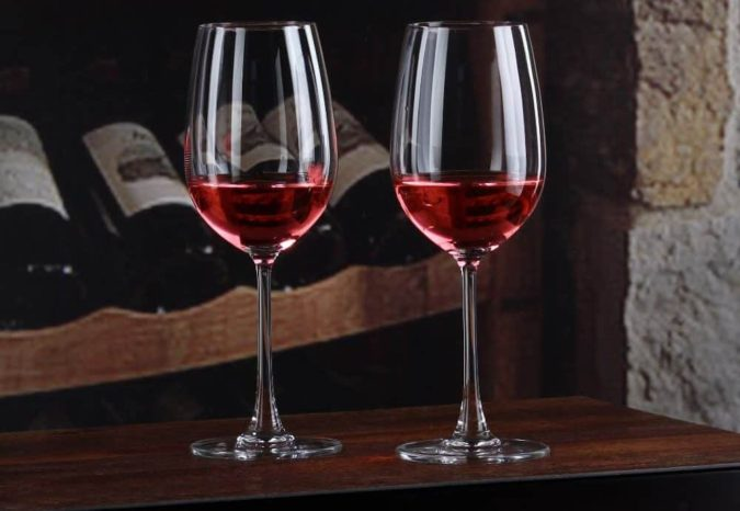Wine-Glasses-1-675x466 Awesome Gifts for Those Who Love to Entertain