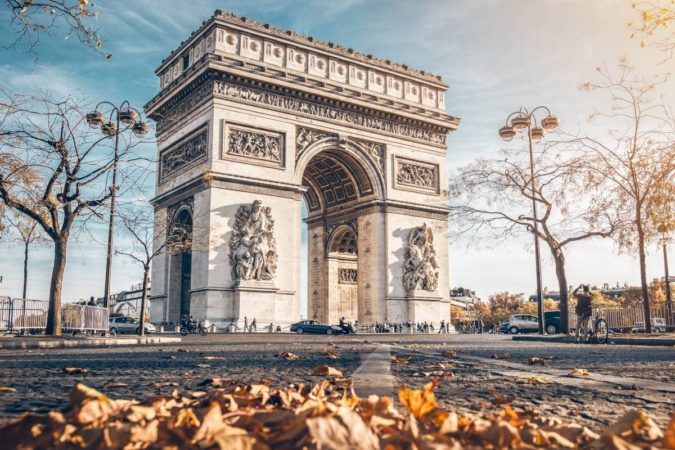 arco-triunfo-paris-675x450 7 Things Americans Should Know Before Visiting France