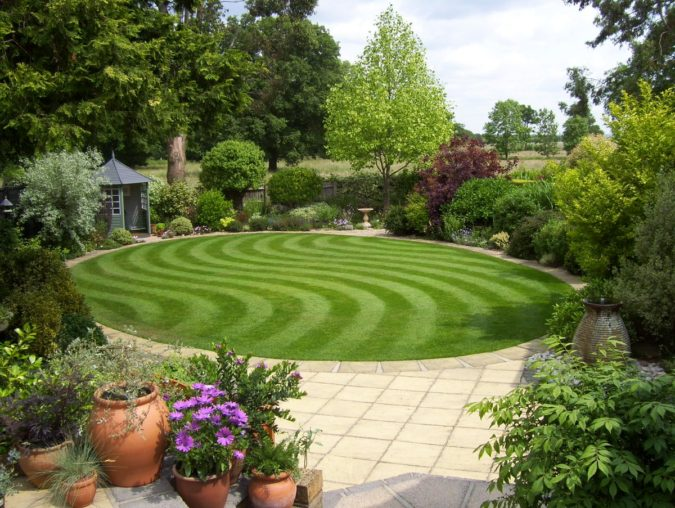 home-garden-patterned-lawn-675x508 Top 20 Garden Trends: Early Predictions to Adopt