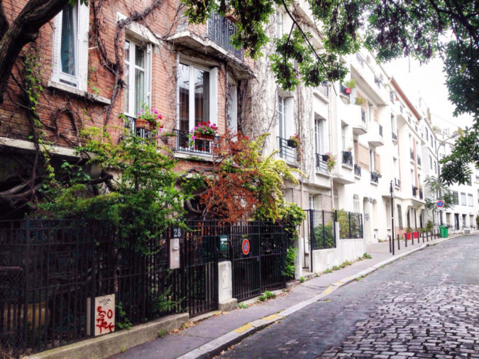 paris-neighborhood-675x506 7 Things Americans Should Know Before Visiting France