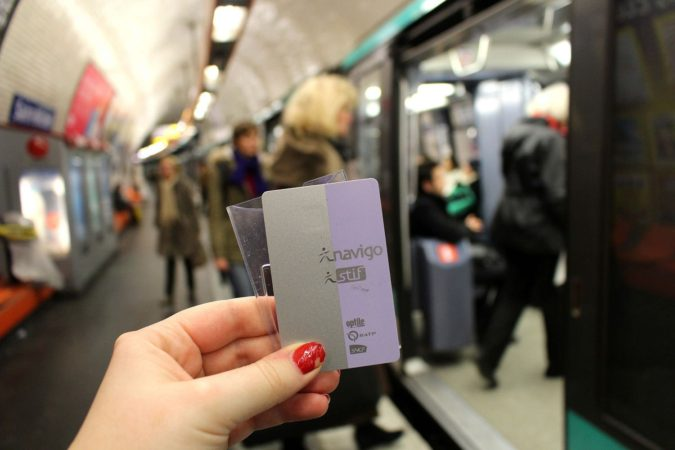 paris-weekly-visitors-metro-pass-675x450 7 Things Americans Should Know Before Visiting France