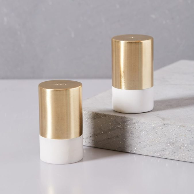 salt-and-pepper-shakers-675x675 Awesome Gifts for Those Who Love to Entertain