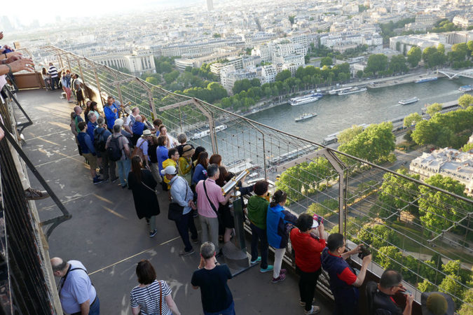 visiting-Eiffel-Tower-675x450 7 Things Americans Should Know Before Visiting France