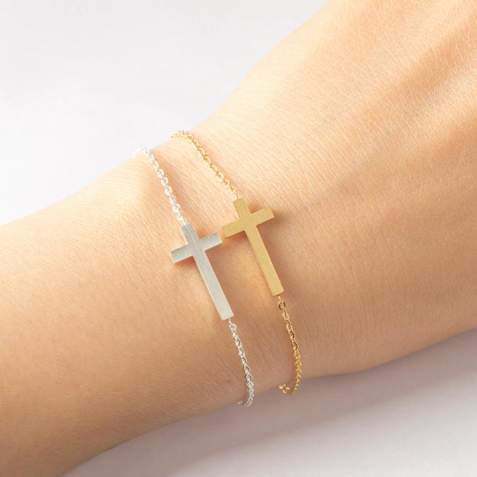 Crucifix-bracelets-675x675 +30 Hottest Jewelry Trends to Follow in 2021