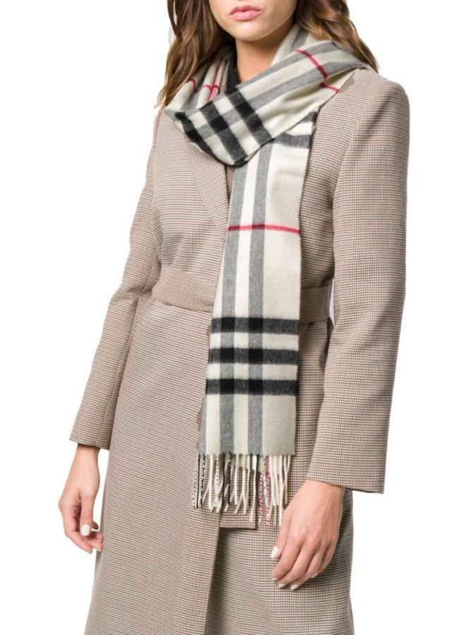 Giant-Check-Cashmere-Scarf.-1-675x900 10 Most Luxurious Looking Scarf Trends for Women in 2020