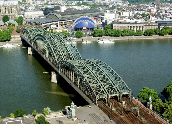 Hohenzollern-Bridge-cologne-675x490 Planning a Trip to Cologne? Best Attractions Revealed