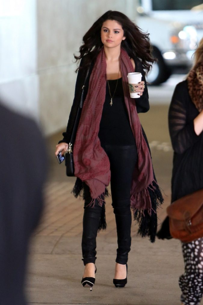 Long-scarves-675x1015 10 Most Luxurious Looking Scarf Trends for Women in 2021
