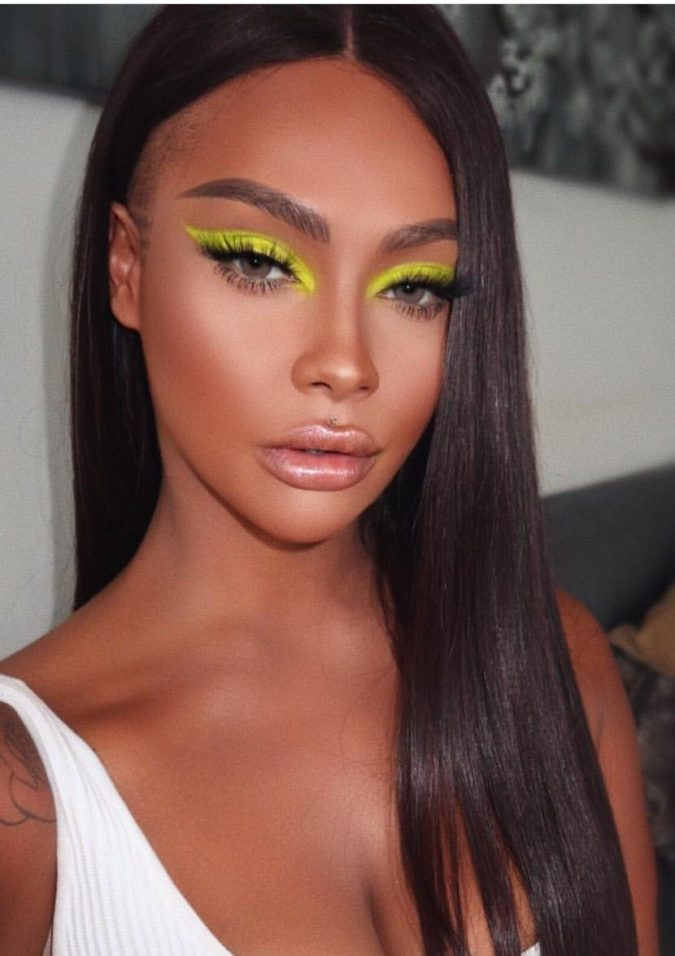 Neon-Cat-Eyes-1-675x956 15 Most Fabulous Makeup Trends to Be More Gorgeous in 2021