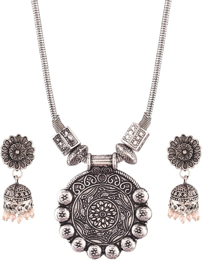 Oxidized-silver-jewelry--675x867 30 Hottest Jewelry Trends to Follow in 2020