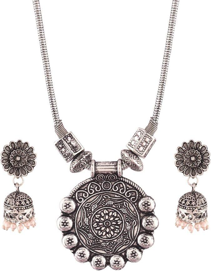 Oxidized-silver-jewelry--675x867 +30 Hottest Jewelry Trends to Follow in 2021