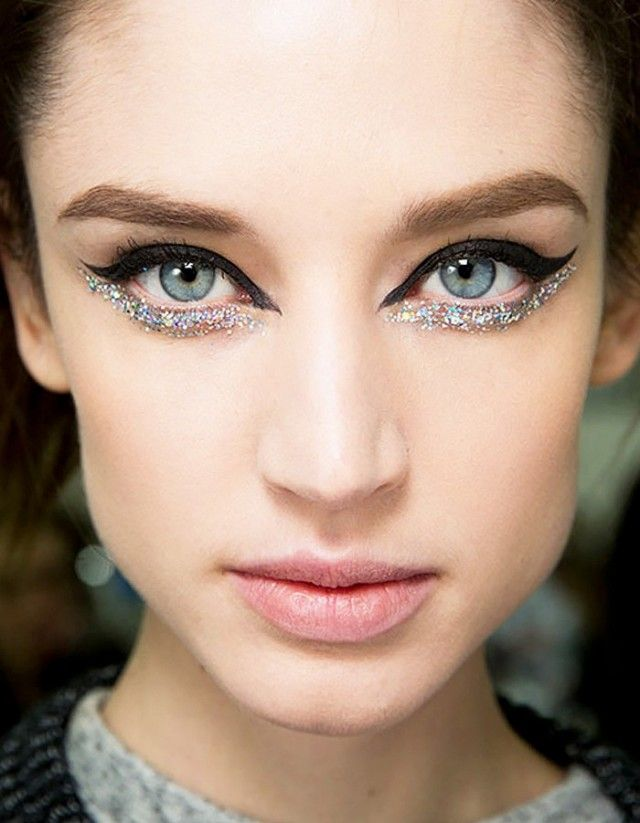 Sparkly-Eyes-1 15 Most Fabulous Makeup Trends to Be More Gorgeous in 2020