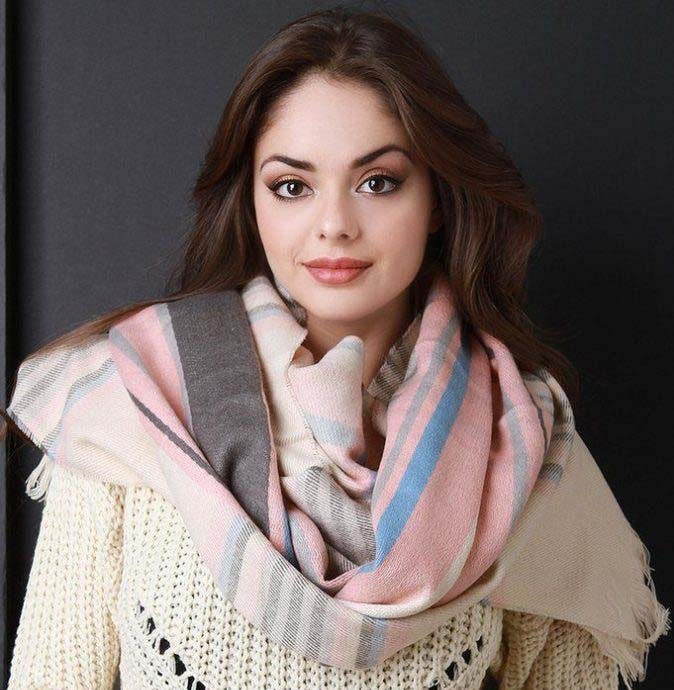 Tartan-Scarf 10 Most Luxurious Looking Scarf Trends for Women in 2020