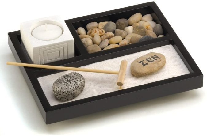 Zen-Garden-Kit-675x444 25 Best Employee Gifts Ideas They Will Actually Need