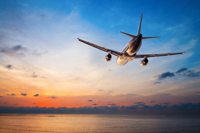 airplane-flight-675x451 10 Tips to Get Best Flight Booking Deals