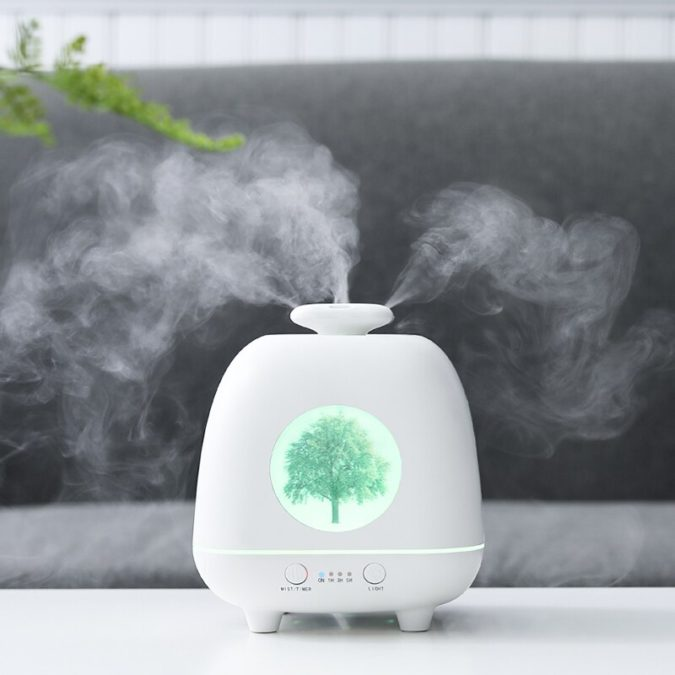 aroma-diffuser-machine-2-675x675 10 Ways to Keep Your Home Smelling Clean and Fresh