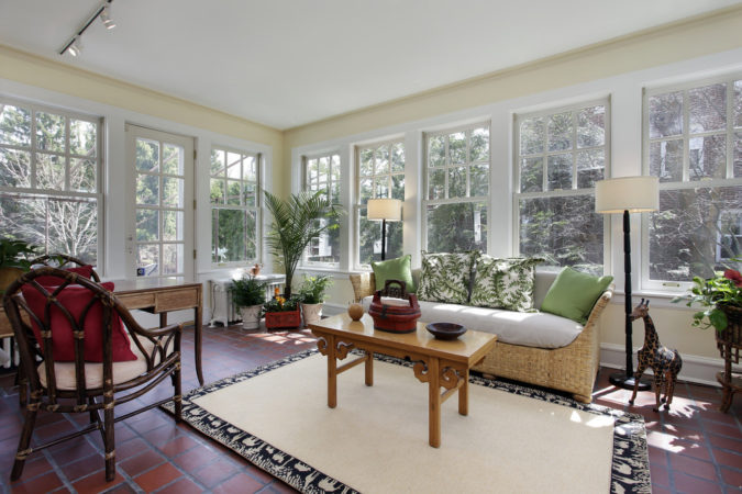country-style-sunroom-675x450 25 Stunning Interior Decorating Ideas for Sunrooms