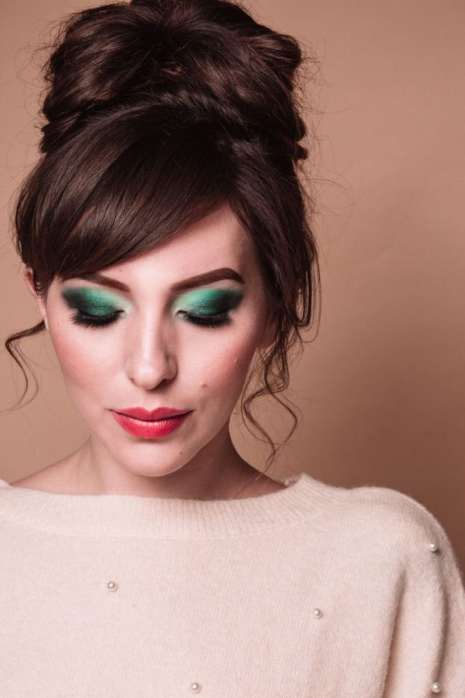 emerald-eye-makeup-675x1012 15 Most Fabulous Makeup Trends to Be More Gorgeous in 2020