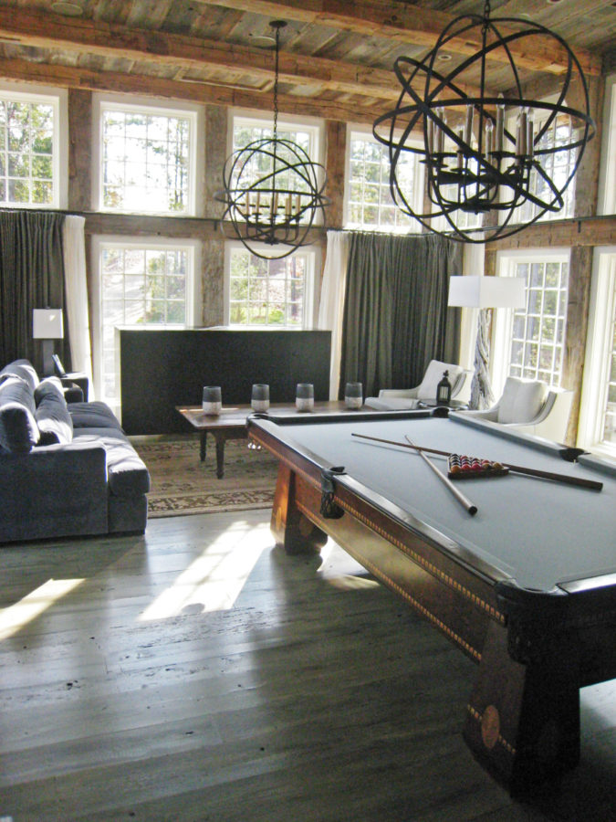 entertainment-sunroom-game-room-675x900 25 Stunning Interior Decorating Ideas for Sunrooms
