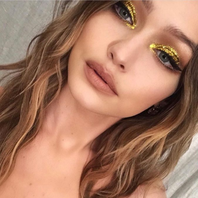 gold-eyeshadow-trend-675x675 15 Most Fabulous Makeup Trends to Be More Gorgeous in 2021