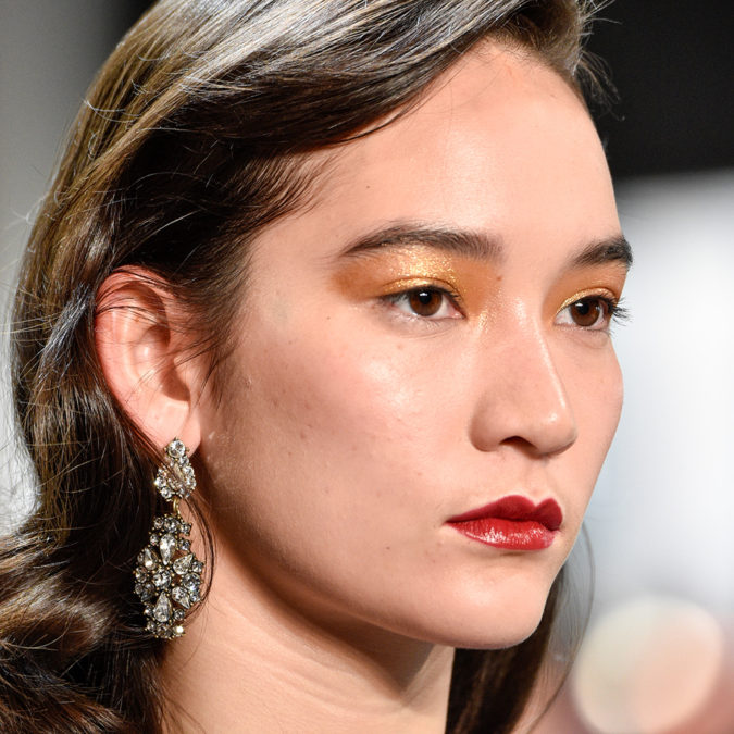 gold-eyeshadow-trend.-675x675 15 Most Fabulous Makeup Trends to Be More Gorgeous in 2020