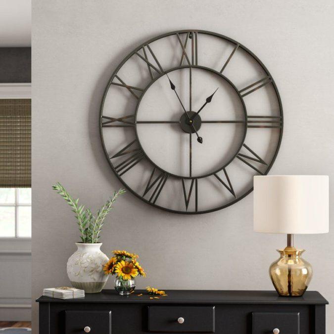 hallway-decor-Clock-2-675x675 8 Trendy Hallway Decor Ideas to Revamp Your Home
