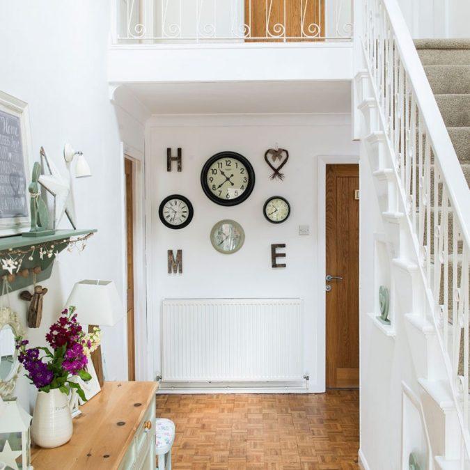 hallway-decor-clocks-675x675 8 Trendy Hallway Decor Ideas to Revamp Your Home