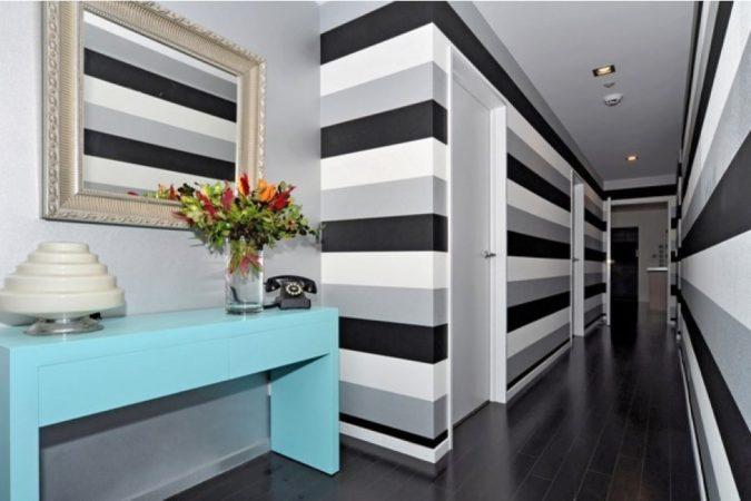 hallway-decor-striped-walls-675x450 8 Trendy Hallway Decor Ideas to Revamp Your Home