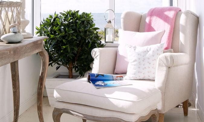 home-decor-sun-corner-675x405 25 Stunning Interior Decorating Ideas for Sunrooms