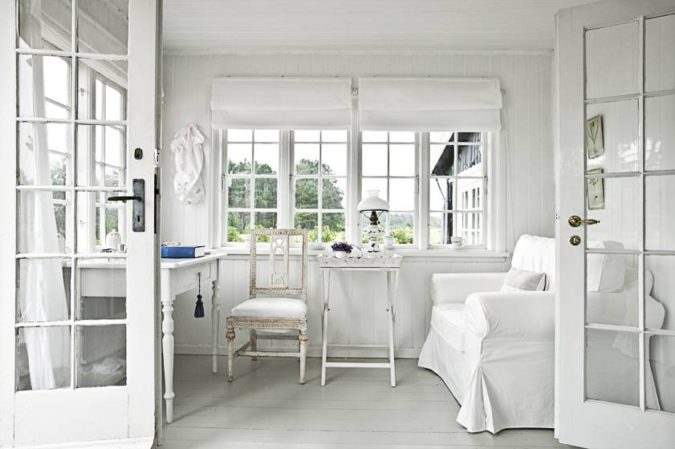 home-decor-white-sunroom-3-675x449 25 Stunning Interior Decorating Ideas for Sunrooms